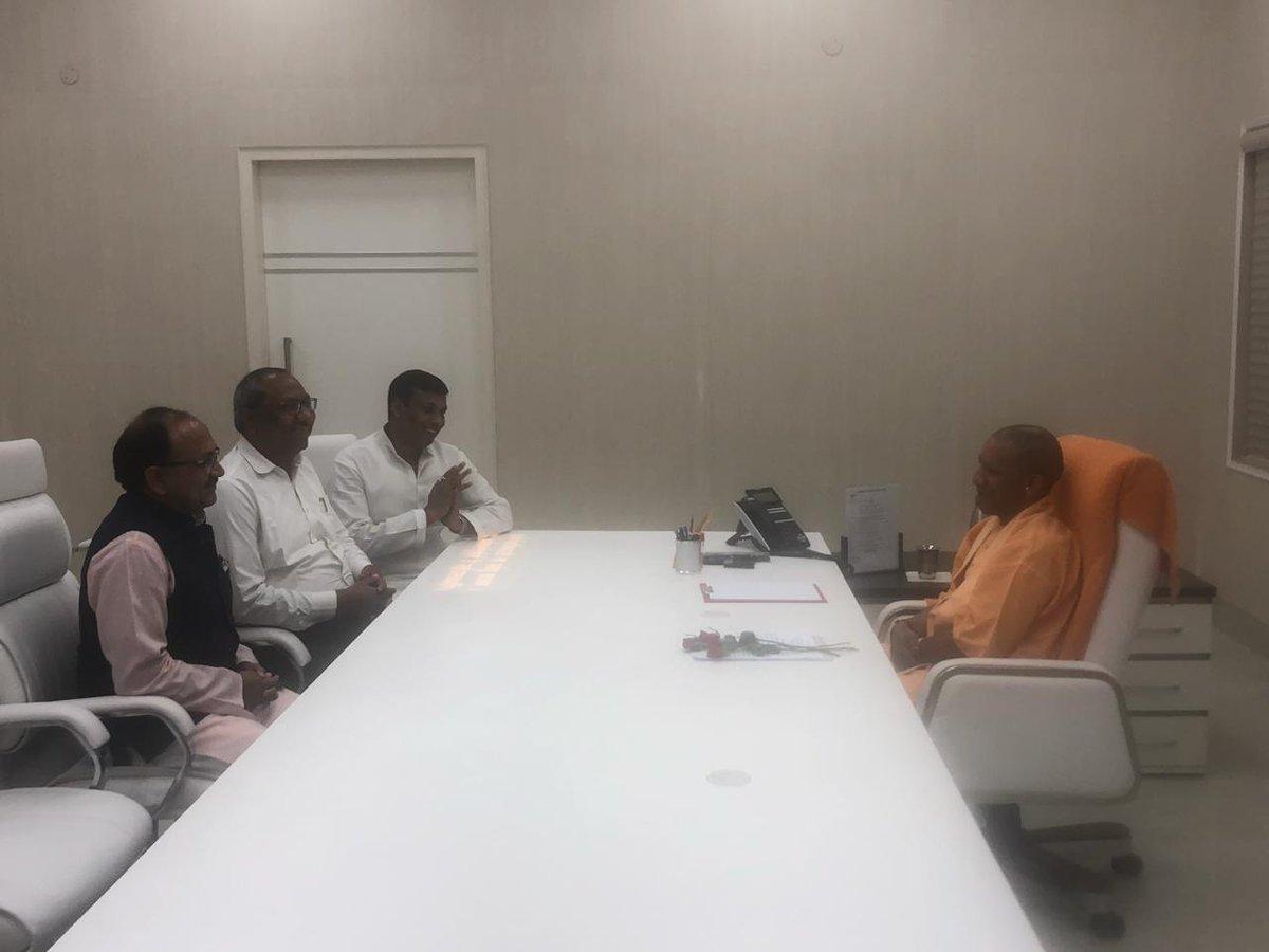 Nishad Party chief Sanjay Nishad meeting UP Chief Minister Yogi Adityanath in Lucknow on Friday. Photo/ANI