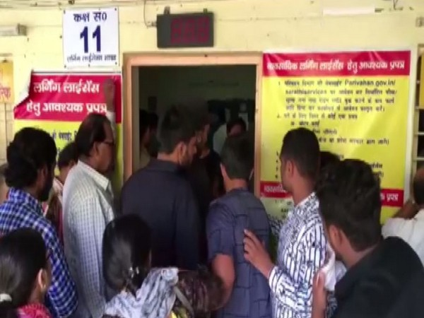 A large queue was seen in Noida RTO on Friday. Photo/ANI