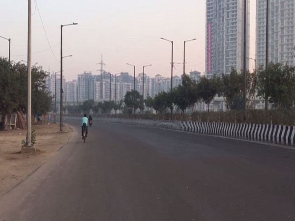 Visuals of a locality in Noida on Sunday morning. Photo/ANI