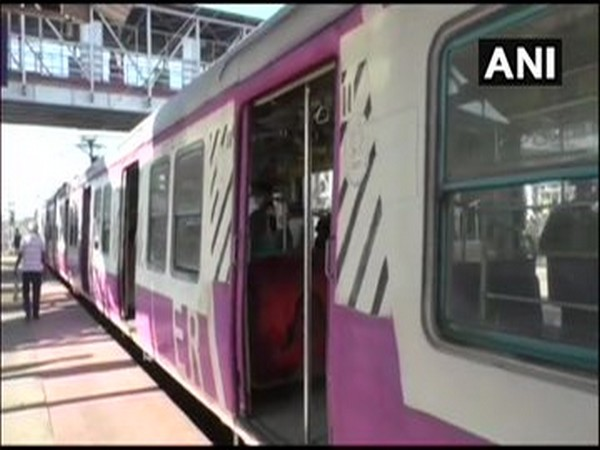 Suburban railway services resume in Naihati and Kankinara railway stations (ANI Photo)