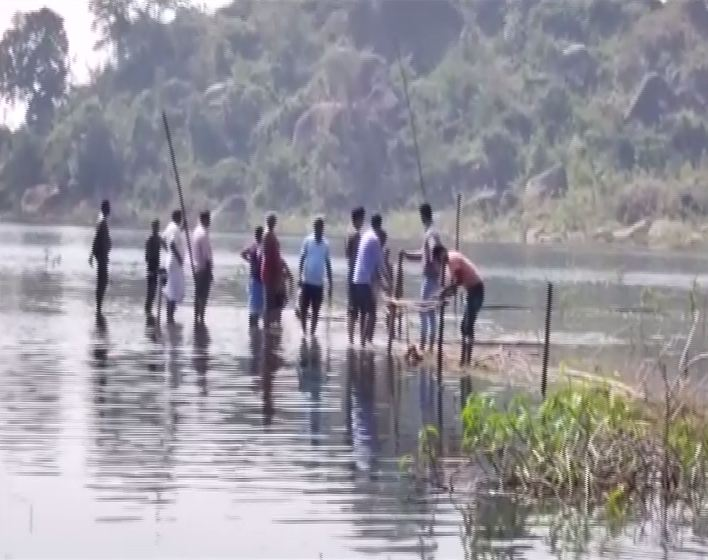 Forest Department officials conducting the rescue operation in Kankar District, Chhattisgarh on Thursday.