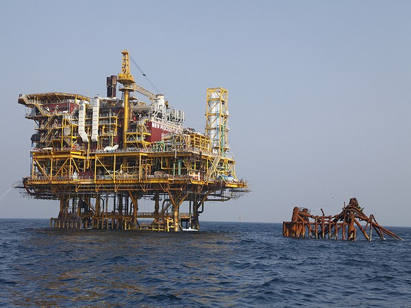 The output by ONGC was 1,642.76 TMT last month