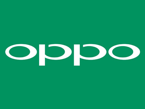 In the latest video spotted on Slashleaks, the upcoming Oppo Reno smartphone appears to feature an all-screen display.