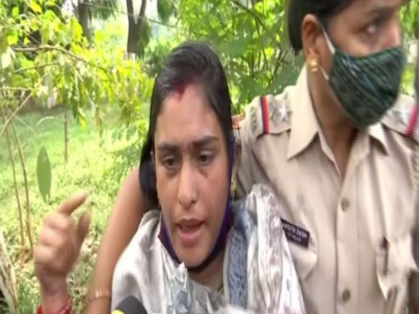 Woman addresses media after being prevented from self immolation by Odisha Police (Photo ANI)