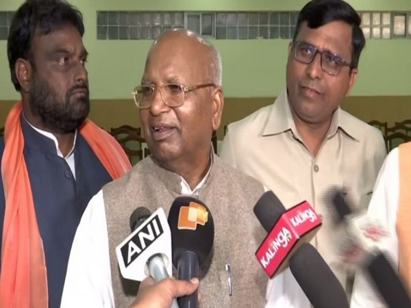 National Commission for Backwards Classes (NCBC) chairperson Bhagwan Lal Sahani speaking to reporters in Odisha on Tuesday. Photo/ANI