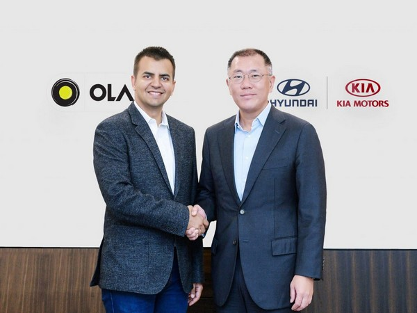 Ola's Bhavish Aggarwal (left) and Hyundai's Euisun Chung
