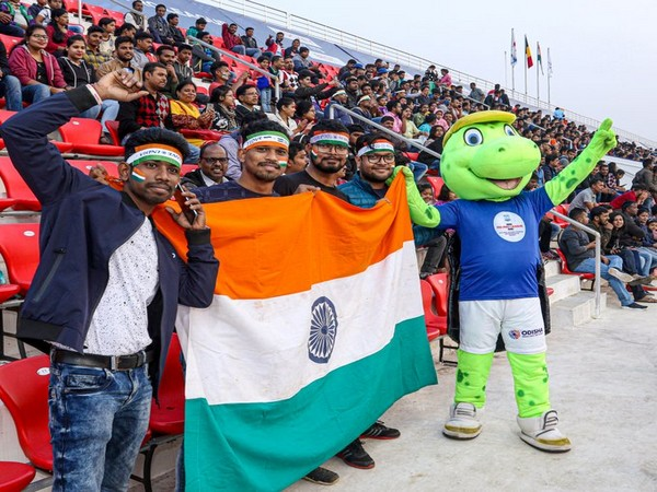 2018 Men's Hockey World Cup mascot Olly in stands holdin Indian flag (Photo/Hockey India Twitter)
