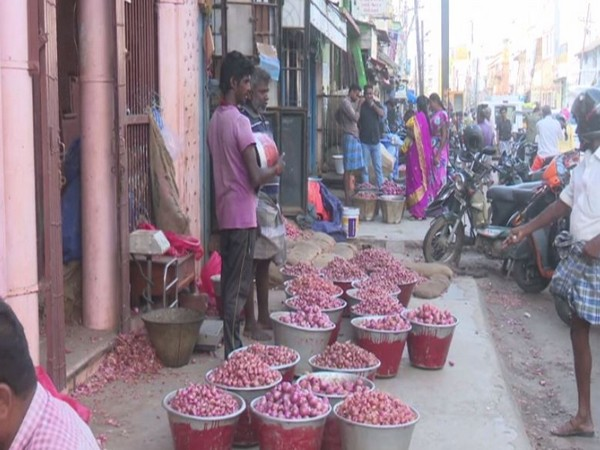 A vegetable market in Madurai.