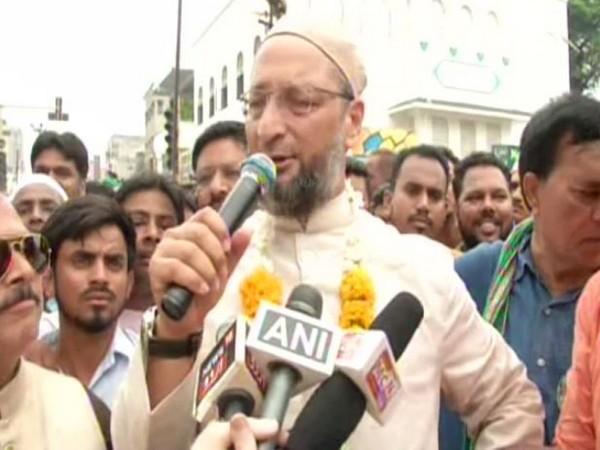 AIMIM MP Asaduddin Owaisi speaking to reporters in Aurangabad on Saturday. Photo/ANI