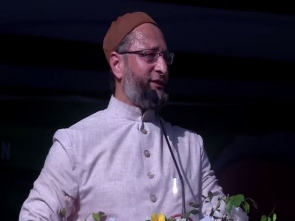 AIMIM president Asaduddin Owaisi addressing a public gathering at Ranchi, Jharkhand on Tuesday. (Photo/ANI)
