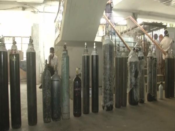 Gurudwara Singh Sabha has started 'Oxygen Langer'. (Photo/ ANI)