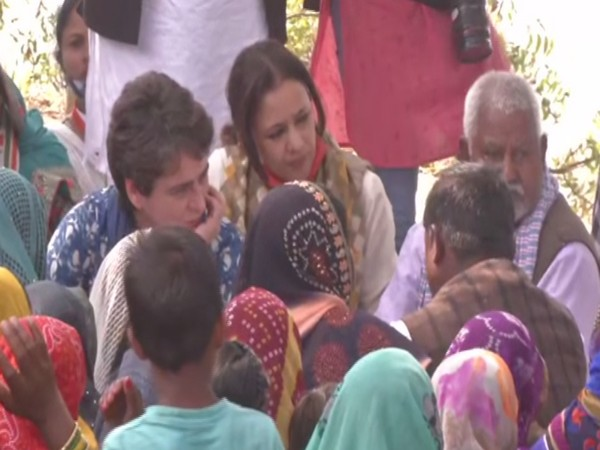 Priyanka Gandhi Vadra on Sunday reached Prayagraj in Uttar Pradesh to extend support to boatmen who were allegedly harassed by local police.