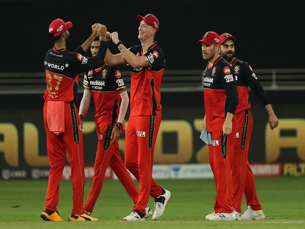 RCB players celebrating after taking a wicket (Photo/ BCCI/ IPL)