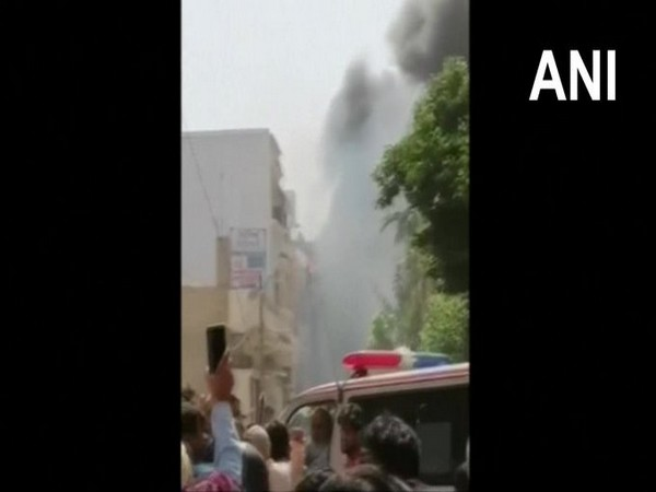 PIA A320 Airbus crashed into a residential area near Karachi airport on Friday