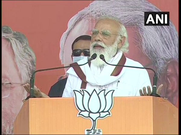 PM Narendra Modi addressing a rally in Darbhanga on Wednesday. [Photo/ANI]