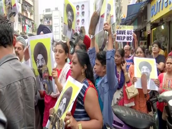 Depositors of PMC bank held a protest on Sunday in Mumbai. Photo/ANI
