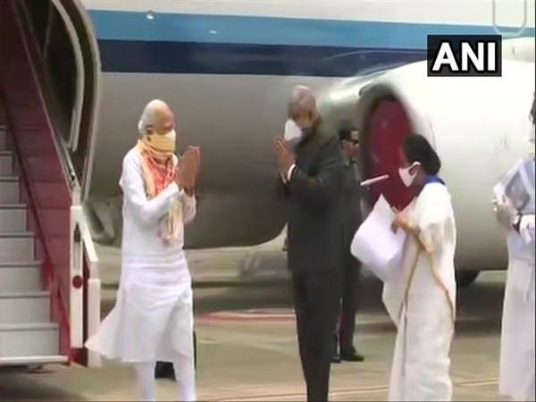 Prime Minister Narendra Modi at Kolkata Airport.[Photo/ANI]