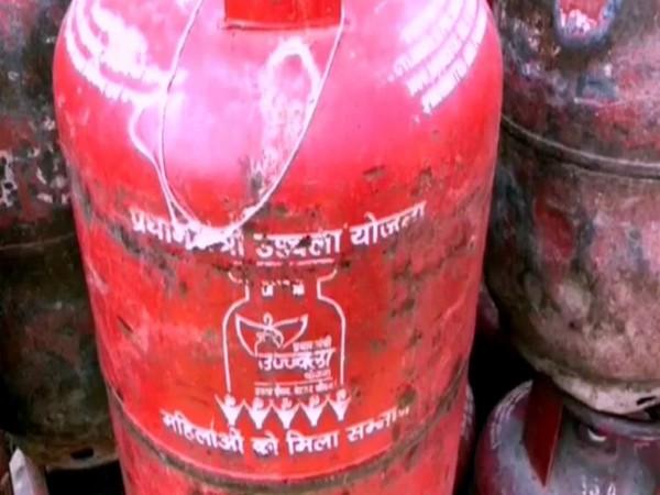 Visual of cylinders seized by Uttar Pradesh Police. (Photo/ANI)