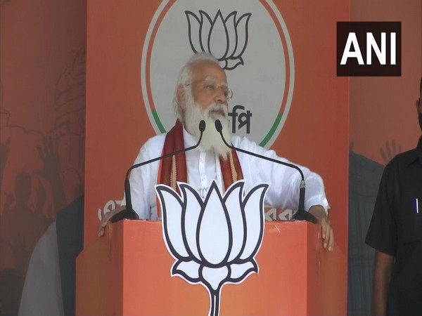 Prime Minister Narendra Modi addressing a rally in Weat Bengal (Photo/ ANI)