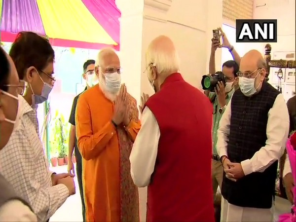 Prime Minister Narendra Modi and Union Home Minister Amit Shah greeted veteran leader LK Advani on his birthday on Sunday. (Photo/ANI)