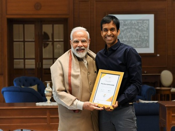 PM Narendra Modi meets Pullela Gopichand in Delhi on Friday. (Image/PMO Twitter)