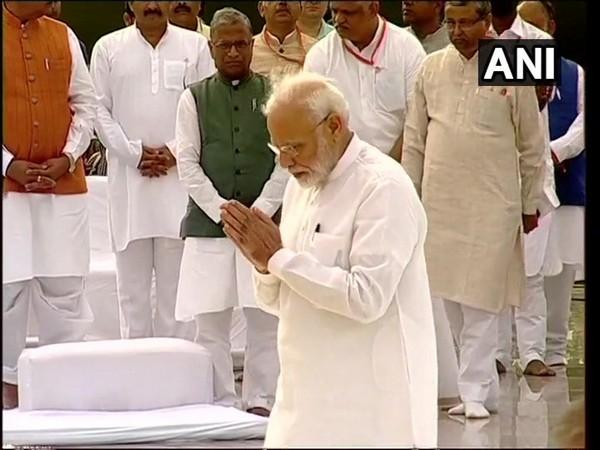 PM Modi pays tribute to late Atal Bihari Vajpayee on his first death anniversary. (Photo/ANI)