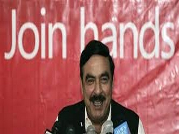 Pakistani Railway Minister Sheikh Rashid (File photo)