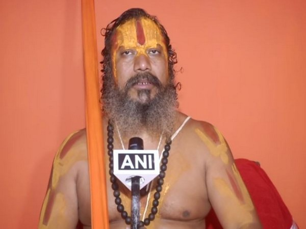 Mahant Paramhans Das speaking to ANI in Ayodhya, Uttar Pradesh on Monday. (Photo/ANI)