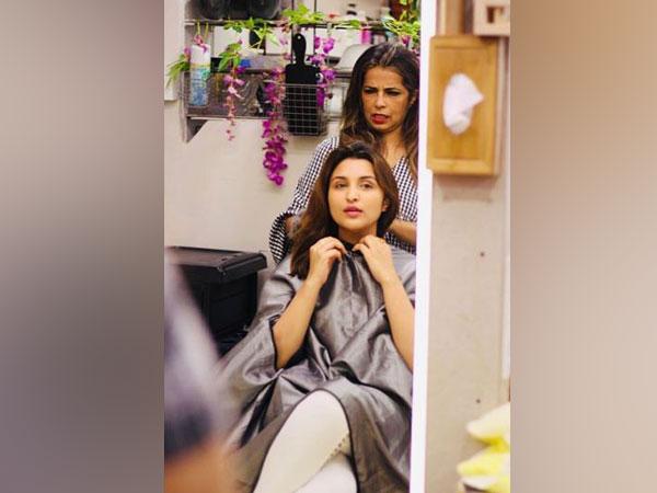 Parineeti Chopra all set to get her hair colour changed. (Image Courtesy: Instagram)