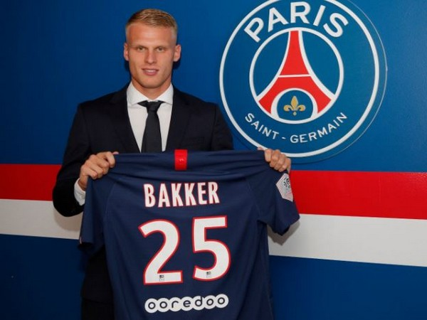 Paris Saint-Germain's Mitchel Bakker (Photo/ Paris Saint-Germain Twitter)