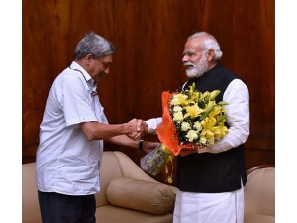 Prime Minister Narendra Modi with late Goa Chief Minister Manohar Parrikar (File image)