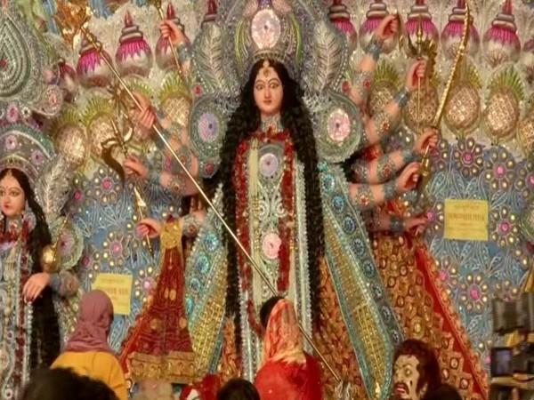 A view of Durga Puja pandal at Dak Bungalow Chowk in Patna. Photo/ANI