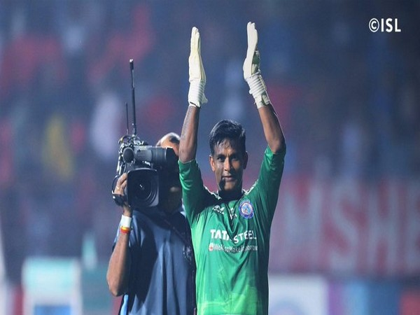 Goalkeeper Subrata Paul (Photo/ISL Twitter)
