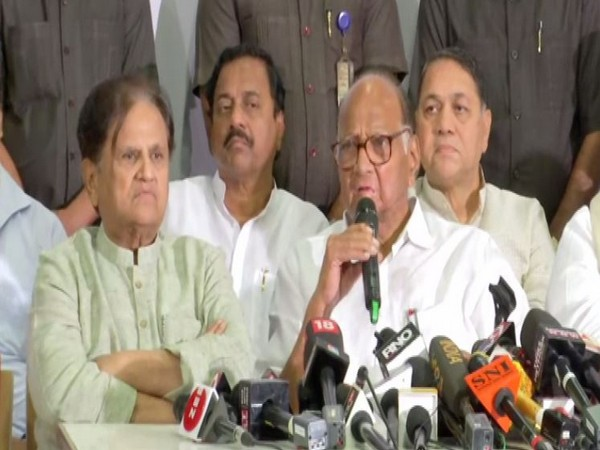 NCP chief Sharad Pawar and Congress leader Ahmed Patel at the joint press conference in Mumbai on Tuesday. Photo/ANI