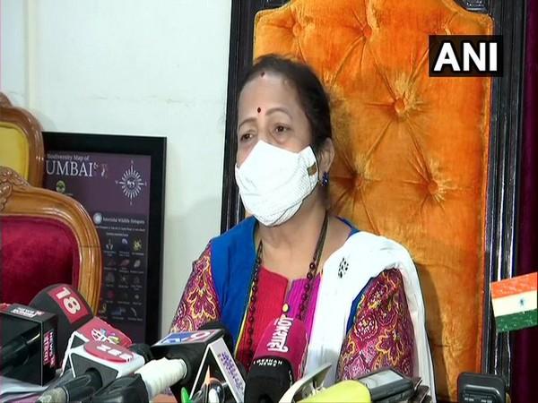 Mumbai Mayor Kishori Pednekar speaking to media on Sunday. (Photo/ANI)