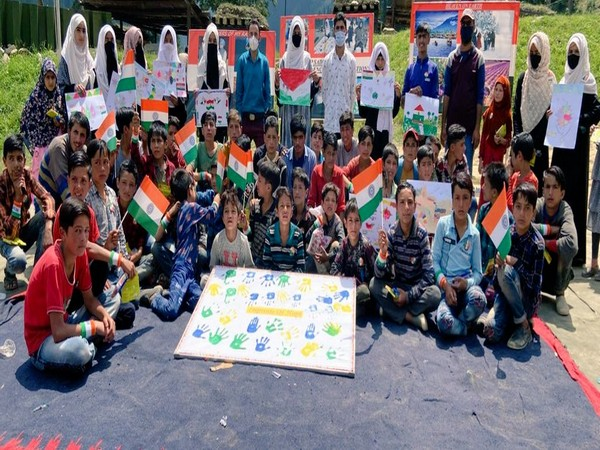 The painting competition in Jammu and Kashmir. (Photo/ANI)