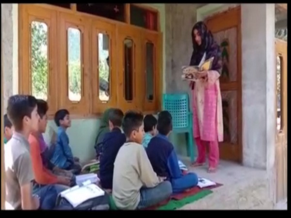 Mahfooza Akhtar is going extra mile to spread awareness regarding importance of education. Photo/ANI