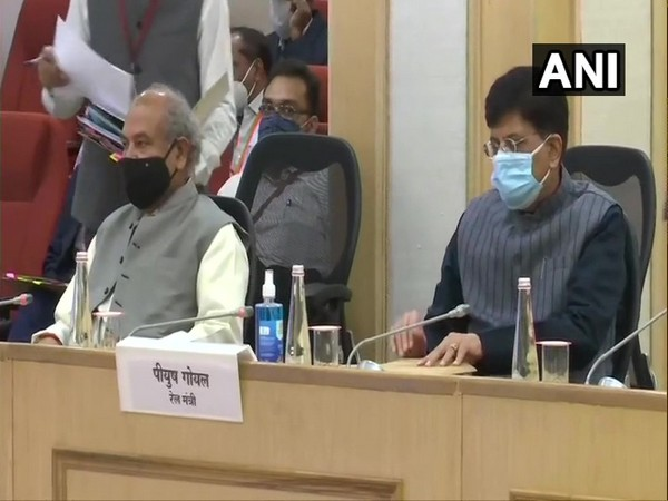 Union Minister of Railways Piyush Goyal and Agriculture Minister Narendra Singh Tomar (Photo/ANI)