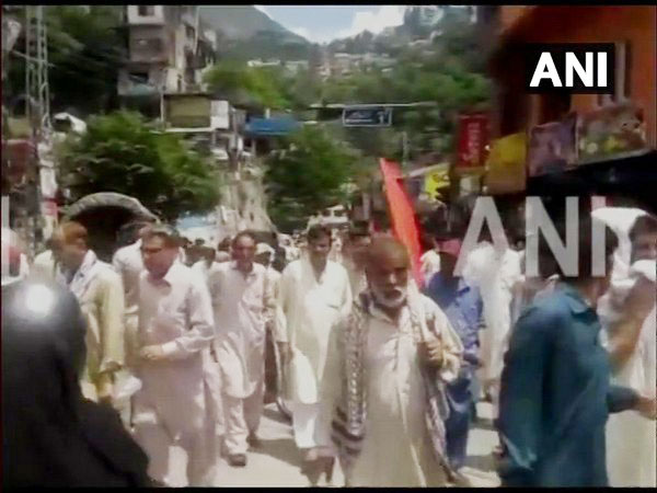 People in Muzaffarabad, PoK protesting against Pakistan over construction of dams in the region.