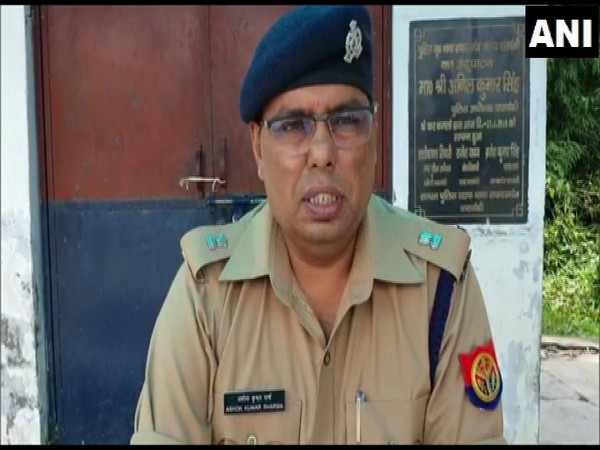 Barabanki Assistant Superintendent of Police Ashok Kumar speaking to media persons. (Photo/ANI)