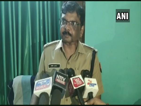 Superintendent of Police Pradeep Gupta speaking to media persons in Kaushambi, Uttar Pradesh, on Tuesday. (Photo/ANI)