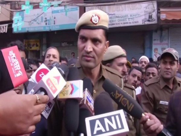 Delhi Police Constable Naresh speaking to media on Monday. (Photo/ANI)