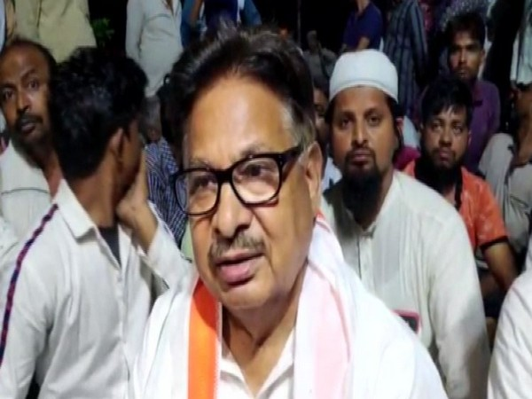 Congress leader PL Punia staged a dharna with his supporters against third degree to Muslim youth arrested in suspicion of cow slaughter. (Photo/ANI)