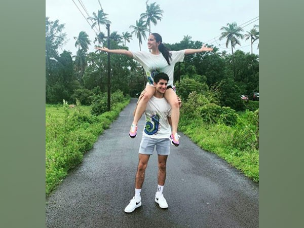 Actor Sara Ali Khan with brother Ibrahim Ali Khan (Image Source: Instagram)