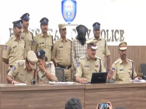 Police Commissioner Anjani Kumar addressing a press conference on Friday. Photo/ANI