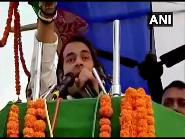 Tej Pratap Yadav addressing a rally in favour of his candidate in Jahanabad on Thursday. Photo/ANI