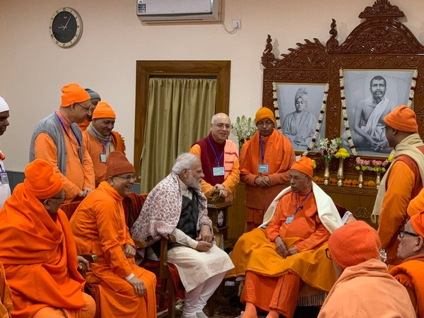 Prime Minister Narendra Modi interacts with saints, seers at Belur Math (Picture Courtesy - PMO India Twitter)