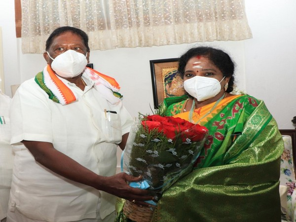 Puducherry Chief Minister V Narayanasamy met Dr Tamilisai Soundararajan, the newly appointed LG of Puducherry, at Raj Nivas on Wednesday.