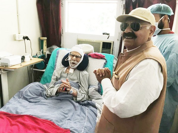 Punjab Governor VP Singh Badnore while meeting ailing Hockey Olympian Balbir Singh Senior at PGIMER, Chandigarh on Thursday. Photo/ANI