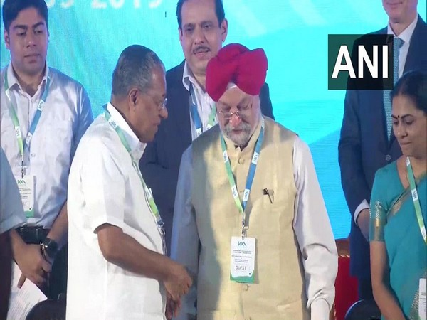 Kerala CM Pinarayi Vijayan and MoS Urban Development Hardeep Singh Puri at the event in Kochi on Tuesday. Photo/ANI